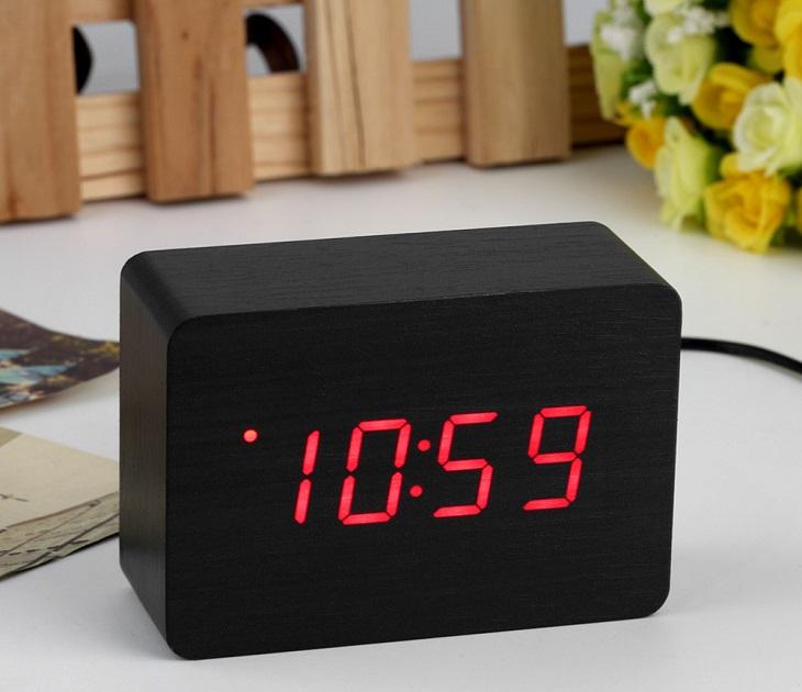 Ξύλινο Led Ρολόι-Ξυπνητήρι που Ανάβει με το Χτύπημα των Χεριών ραδιορολόγια   ξυπνητήρια