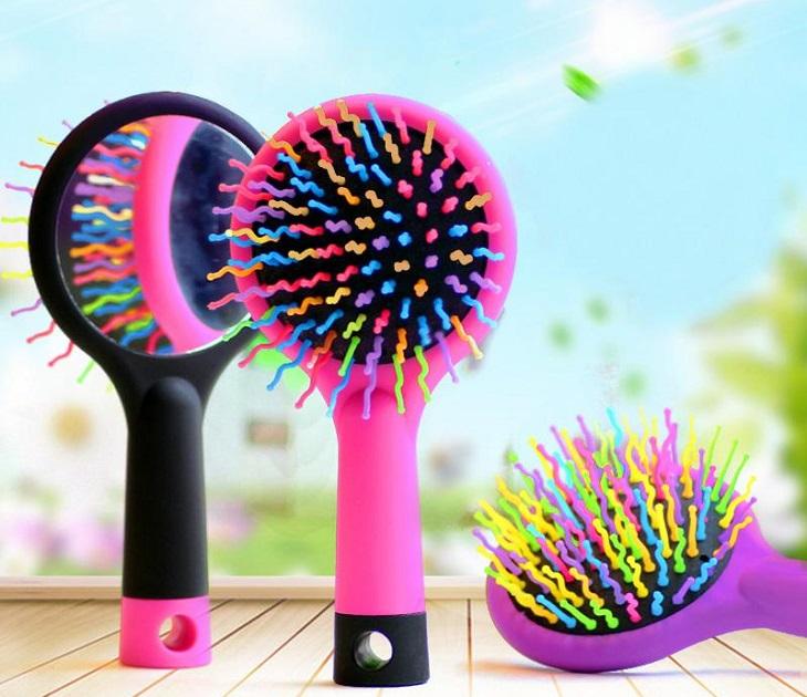 Πολύχρωμη Κυματιστή Βούρτσα ιδανική για να ξεμπερδεύει τα μαλλιά προσωπική περιποίηση